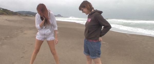 alisha-peeing-in-her-shorts